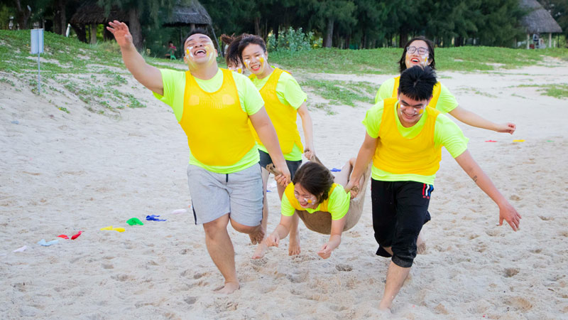 khoanh khac vui choi team building sieu thi song khoe 1