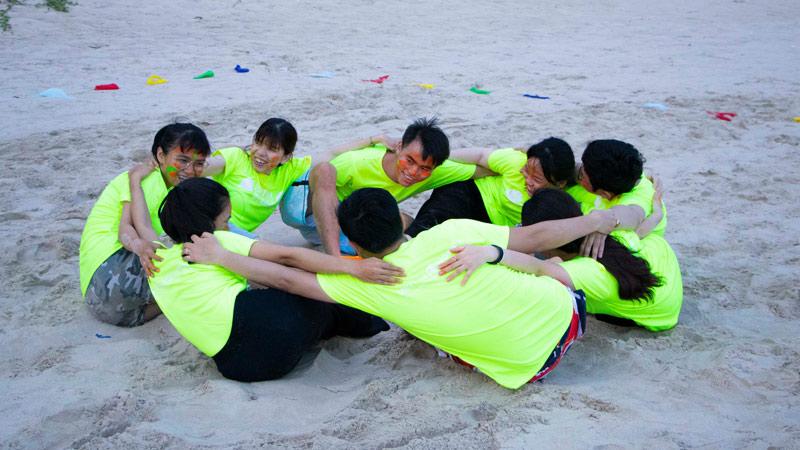 khoanh khac vui choi team building sieu thi song khoe 3